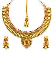 Sukkhi Finely Polished Antique Necklace Set With Maang Tika
